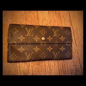 Louis Vuitton Sarah wallet or clutch
